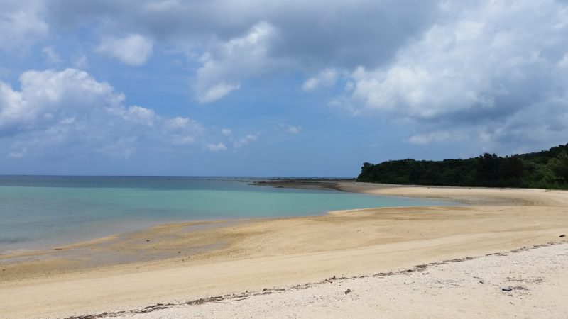 船越漁港の浜